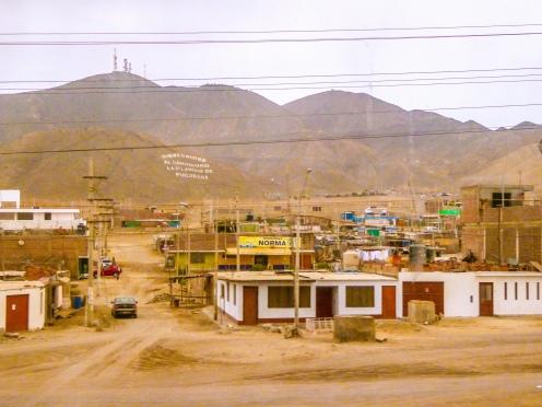 I quartieri più periferici di Lima si trovano letteralmente nel deserto