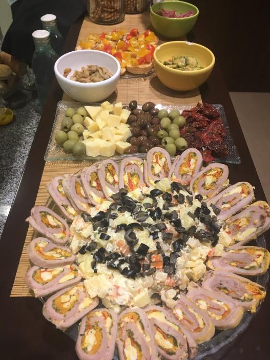 Il Matambre non può mancare sulla tavola di Natale: un rotolo di carne riempito con uova sode, prosciutto e peperoni